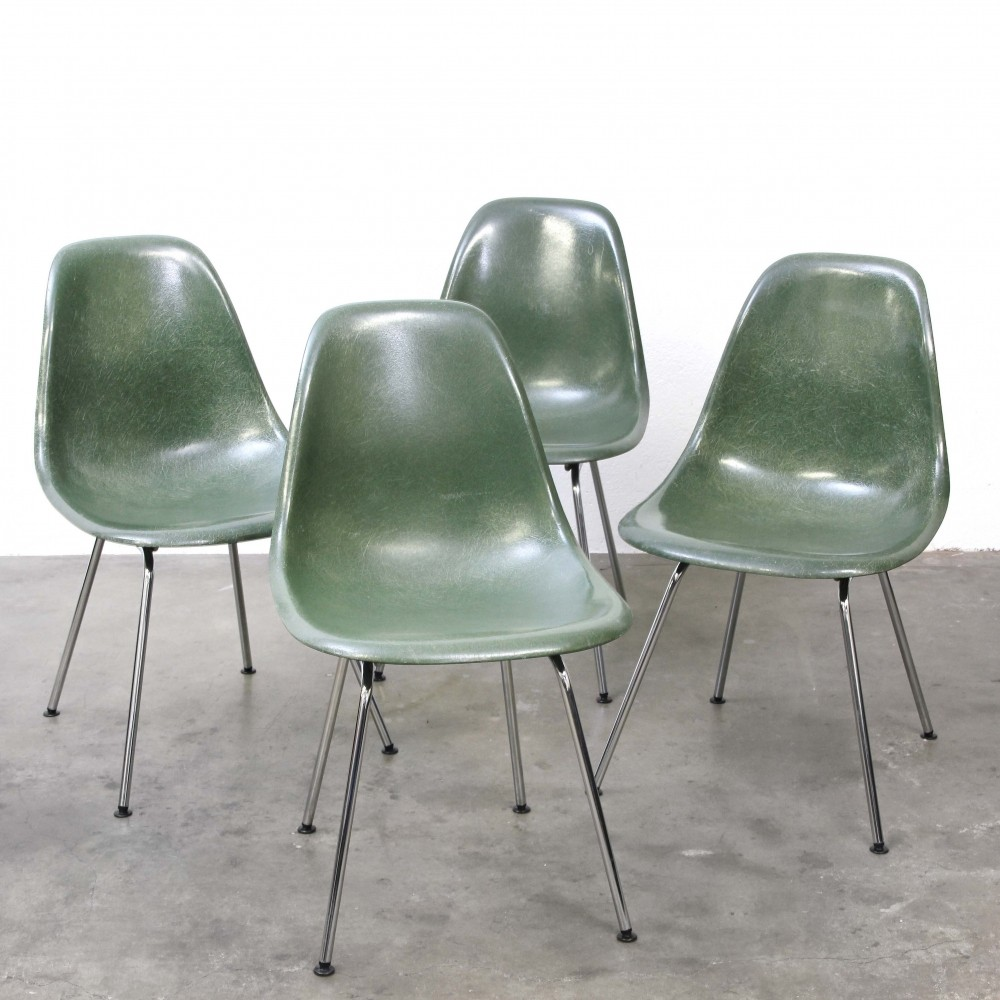 Set of 4 DSX Polyester Sidechair dinner chairs by Charles & Ray