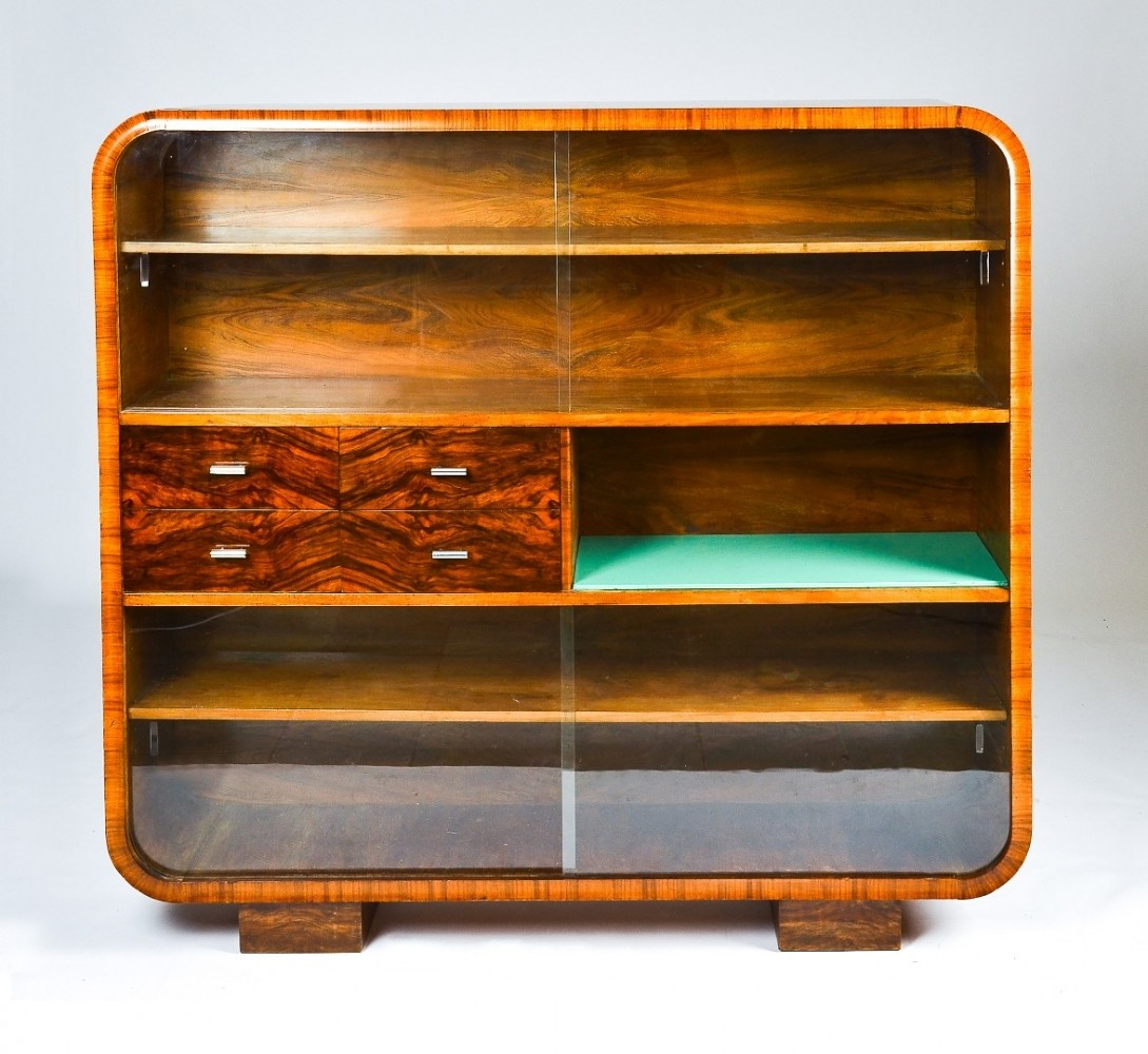 J-107 cabinet by Jindřich Halabala for Spojene UP Zavody, 1930s