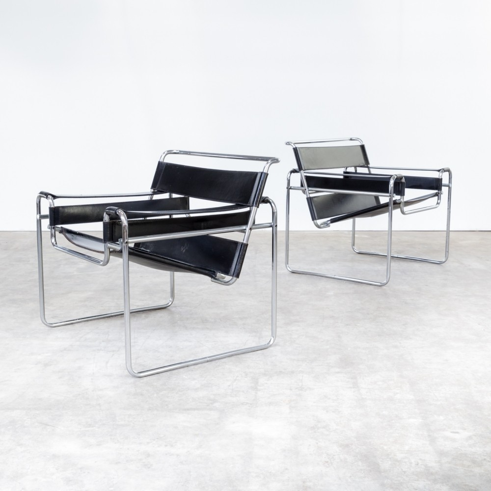 pair of wassily b3 lounge chairs by marcel breuer for gavina 1960s 65125. Black Bedroom Furniture Sets. Home Design Ideas