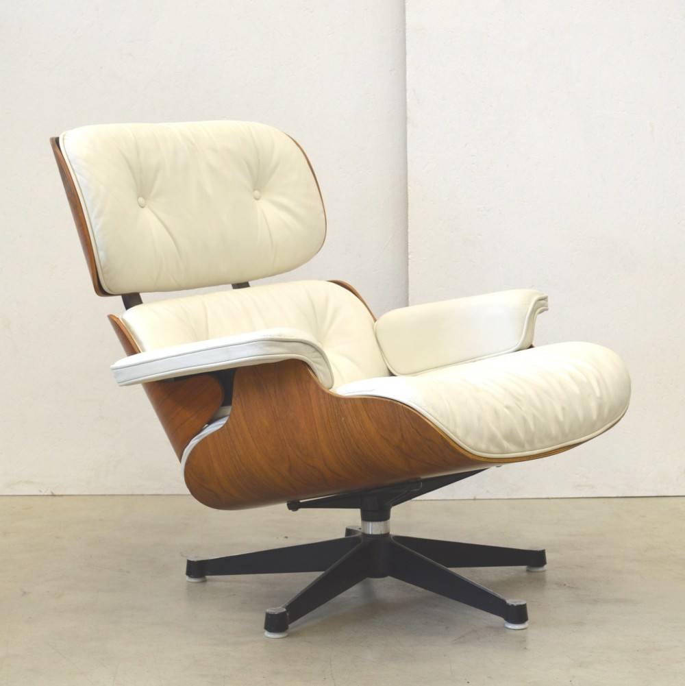 Rosewood lounge chair by charles ray eames for herman for Charles eames lounge chair nachbildung