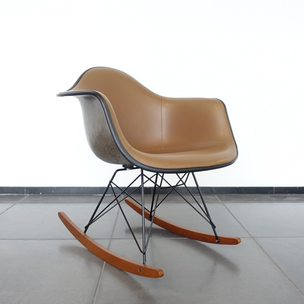 rocking chair by charles ray eames for herman miller 1960s 65290. Black Bedroom Furniture Sets. Home Design Ideas