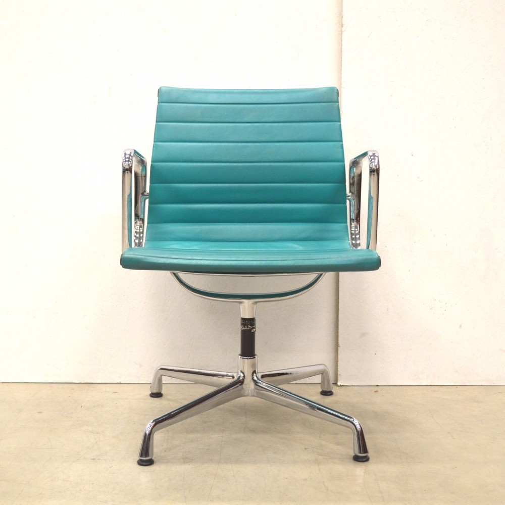 Rare turqouise leather vitra ea108 alu chair by charles for Vitra ea 108 replica