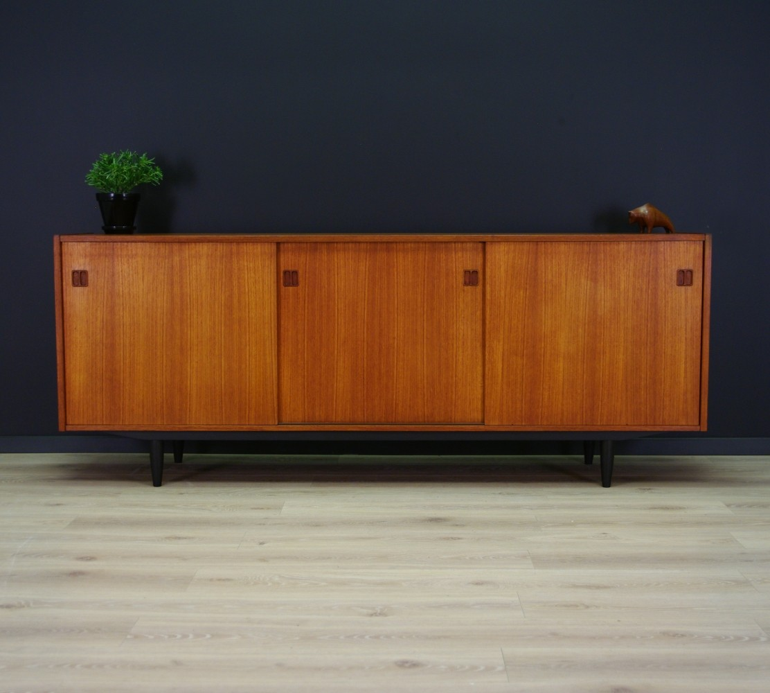 vintage sideboard 1970s 65776. Black Bedroom Furniture Sets. Home Design Ideas