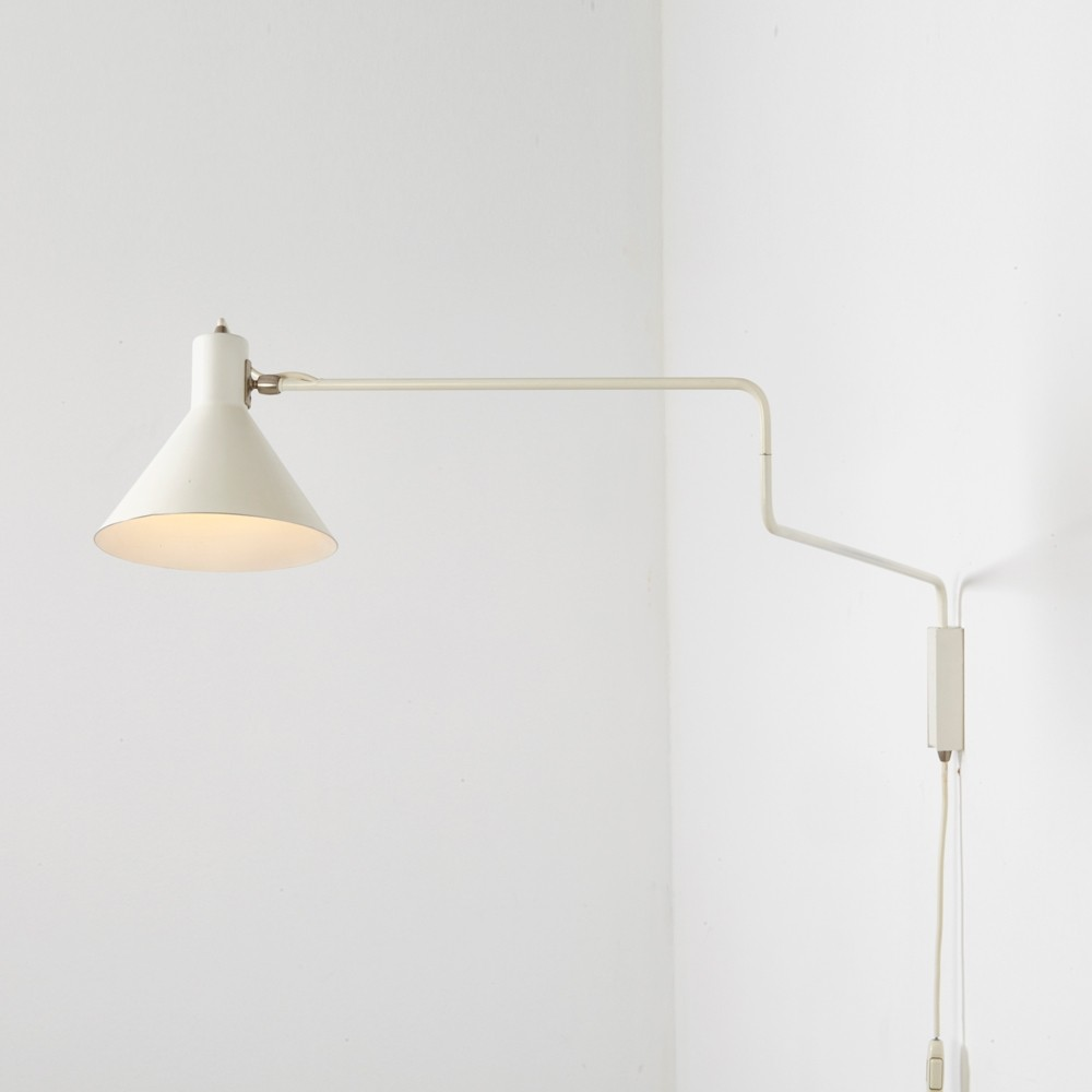 Paperclip wall lamp by J. Hoogervorst for Anvia Almelo, 1950s | #67813