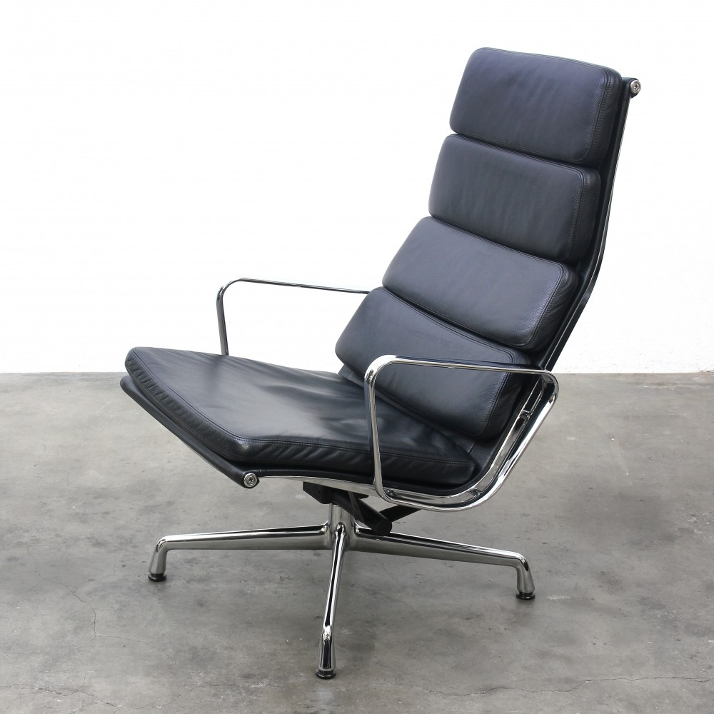 EA 222 Lounge Chair By Charles U0026 Ray Eames For Vitra, 1990s