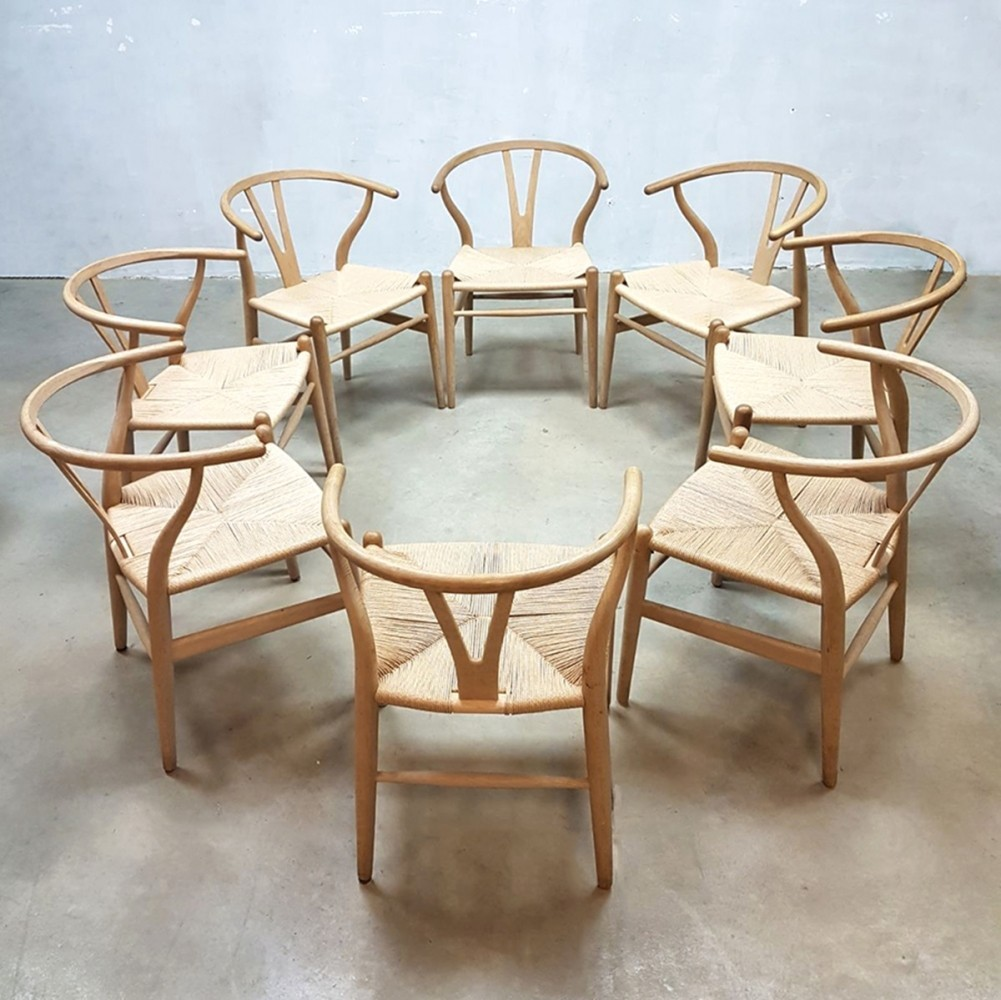8 x ch24 dinner chair by hans wegner for carl hansen son 1960s 68889. Black Bedroom Furniture Sets. Home Design Ideas
