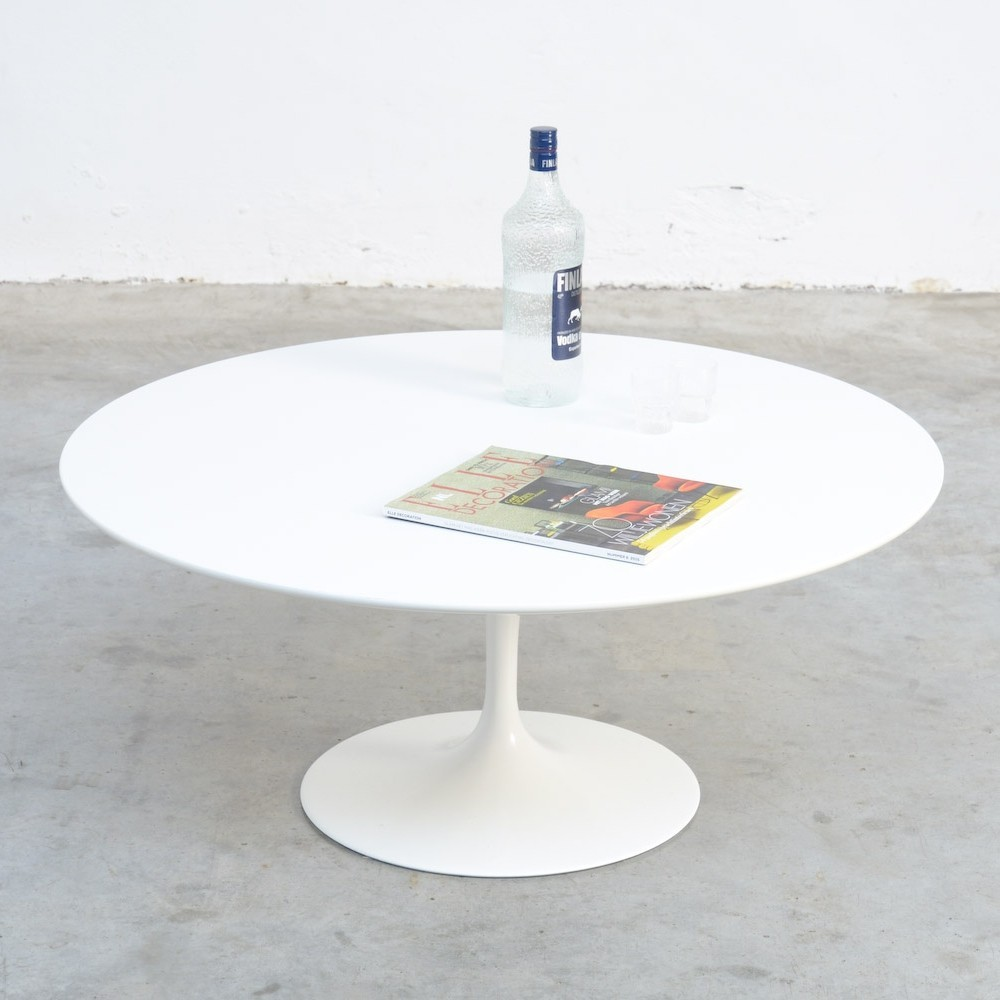 Round White Tulip Coffee Table By Eero Saarinen, Marked Knoll Int.