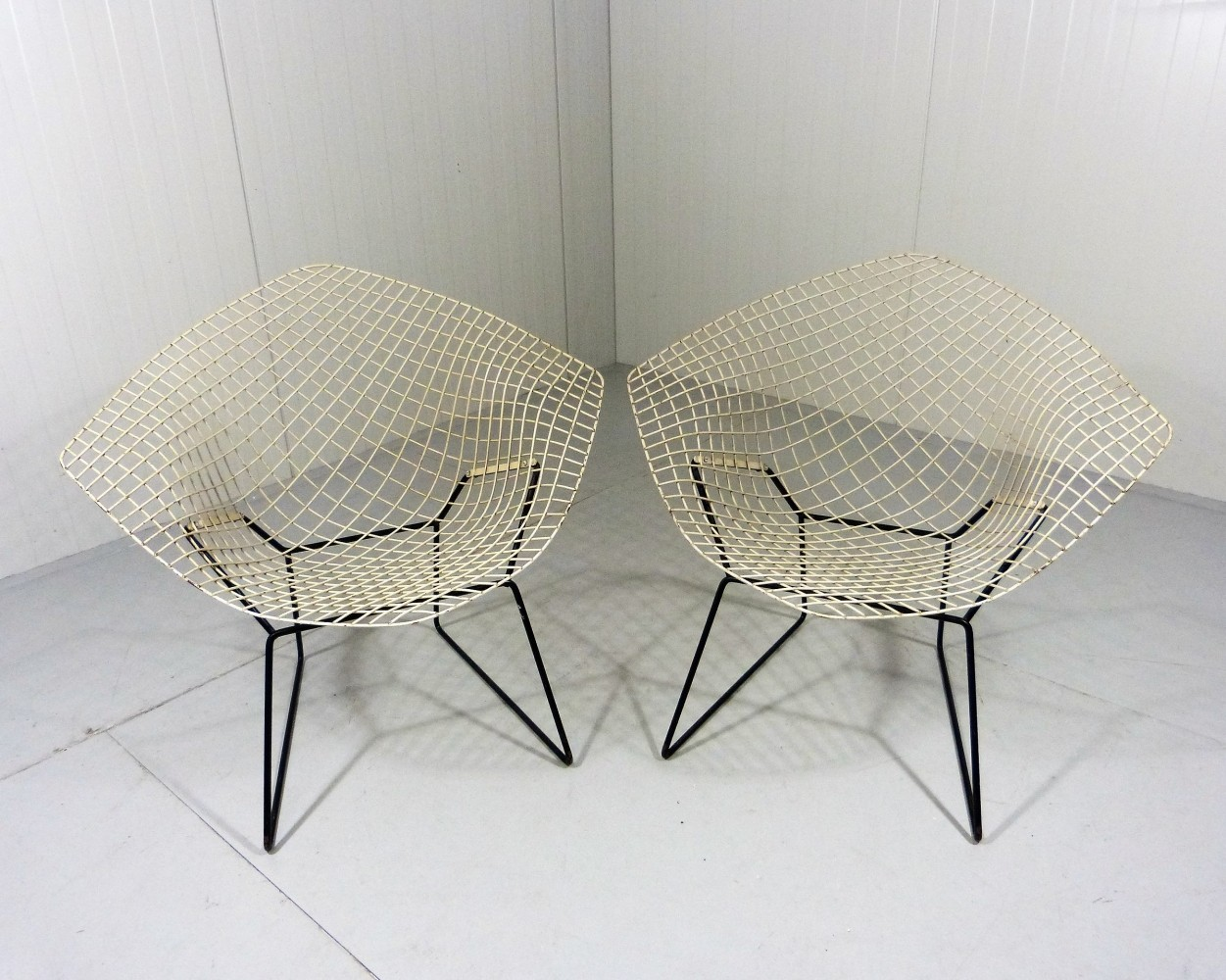 early edition diamond chairs by harry bertoia 69645. Black Bedroom Furniture Sets. Home Design Ideas