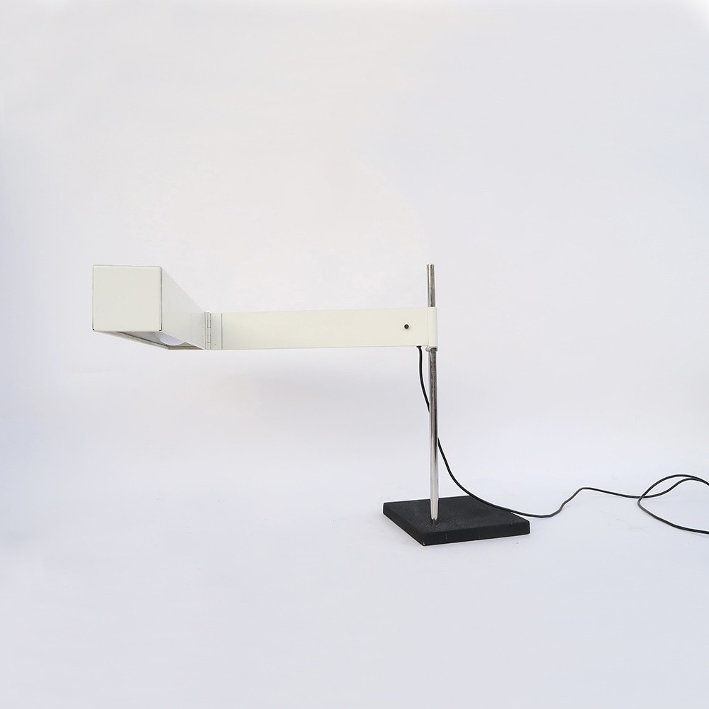 Iconic lamp designed by dieter waeckerlin for the company for Iconic design lamps