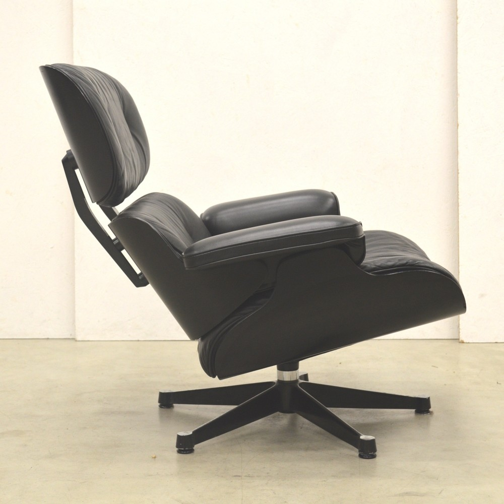 Black Edition lounge chair by Charles & Ray Eames for Vitra, 1980s