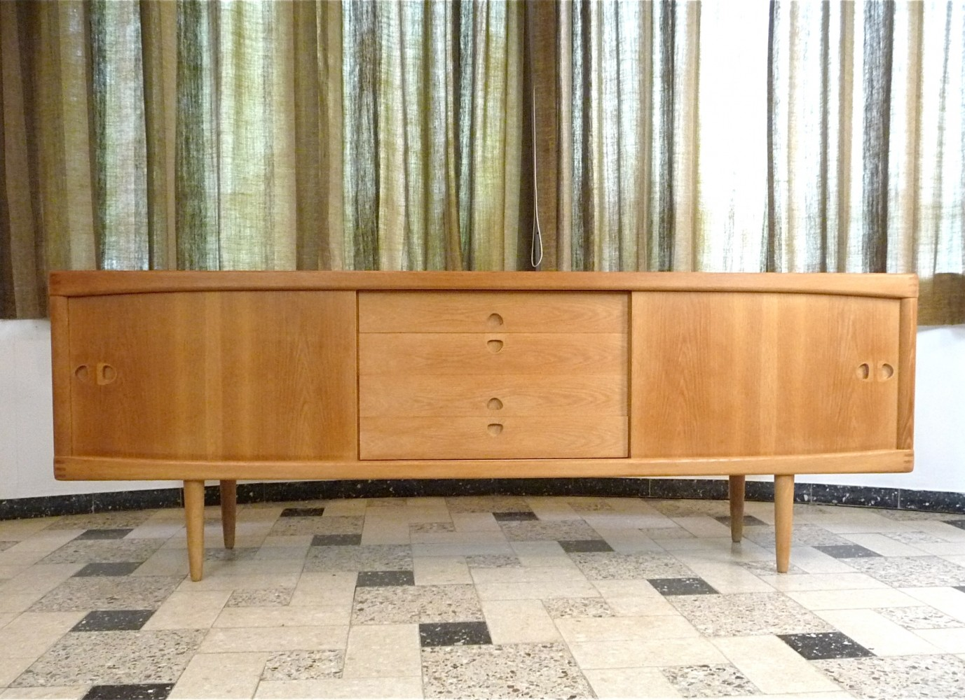 oak sideboard by henry w klein for bramin 1960s 70795. Black Bedroom Furniture Sets. Home Design Ideas