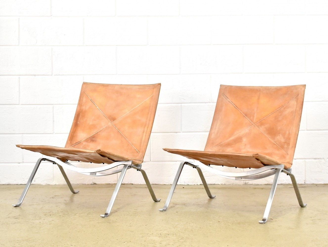 2 x PK22 lounge chair by Poul Kjærholm for Fritz Hansen, 1990s