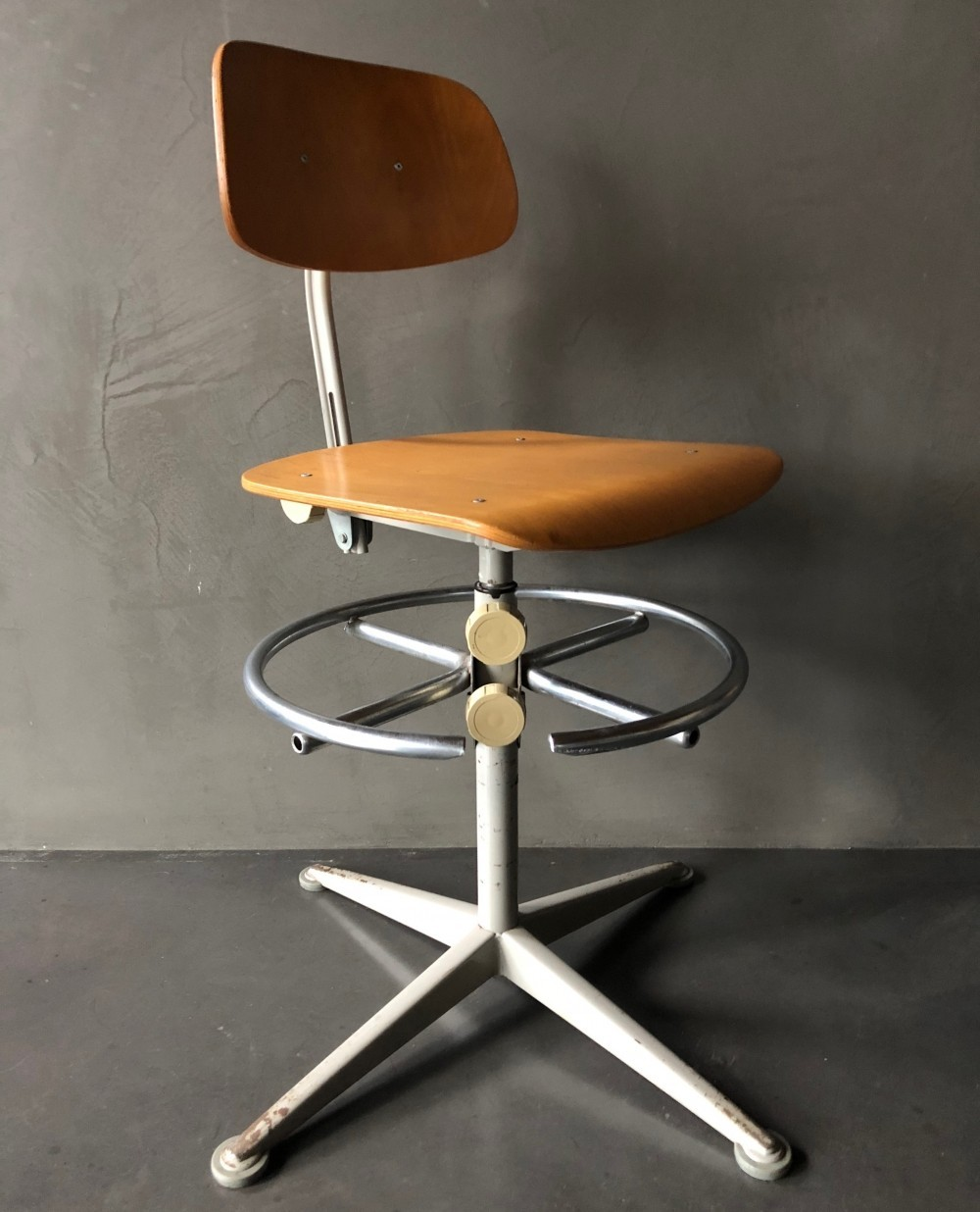 10 x Architect stool by Friso Kramer for Ahrend de Cirkel, 1960s