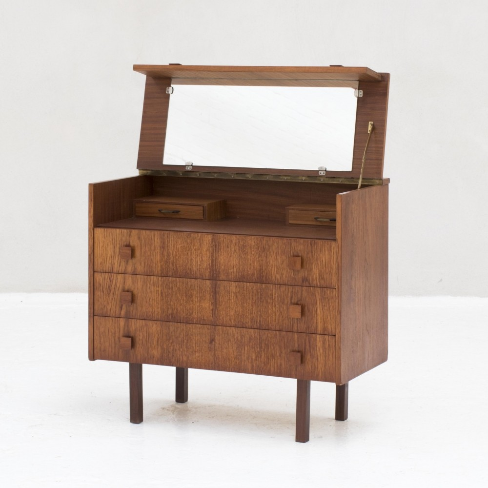 Chest of drawers / dressing table in teak