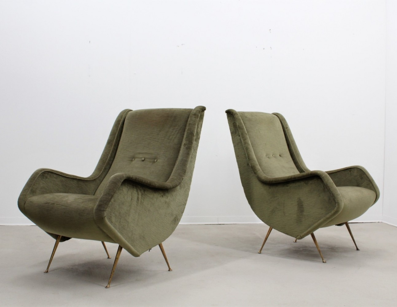 Pair of arm chairs by Aldo Morbelli for ISA, 1950s