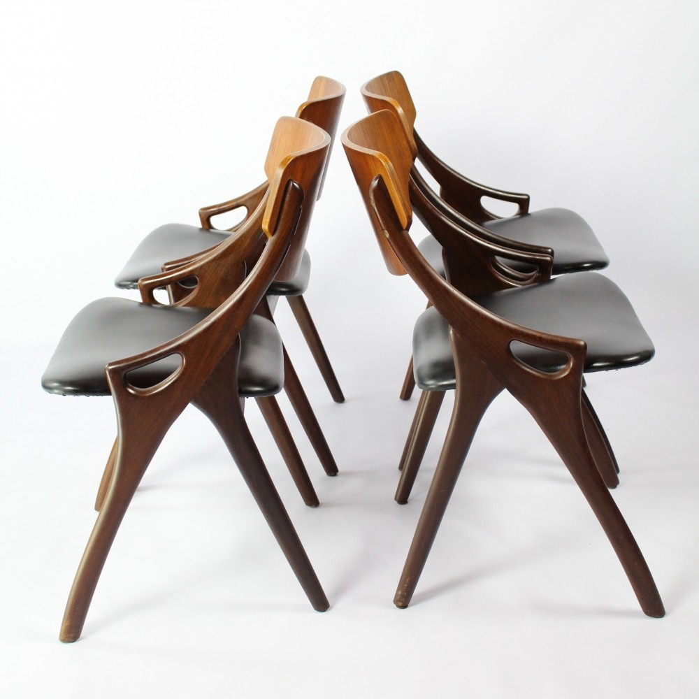 Set of 4 dinner chairs by Arne Hovmand Olsen for Mogens Kold, 1960s