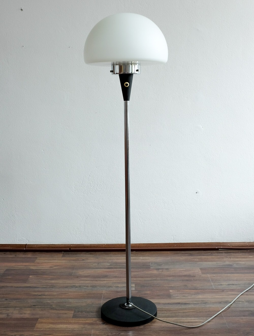 Vintage floor lamp 1960s 73221 vintage floor lamp 1960s aloadofball Image collections