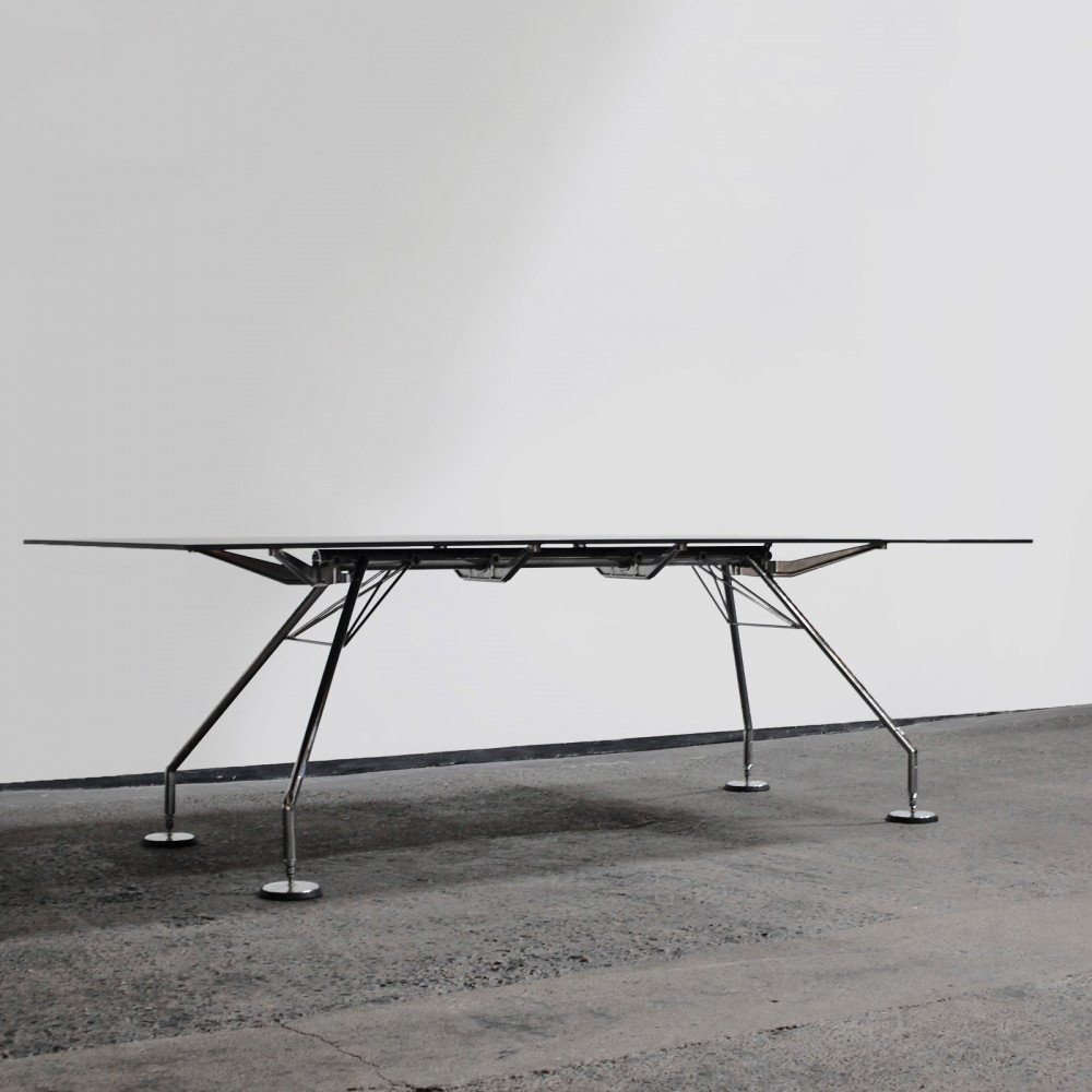 Nomos writing desk by Norman Foster for Tecno, 1980s