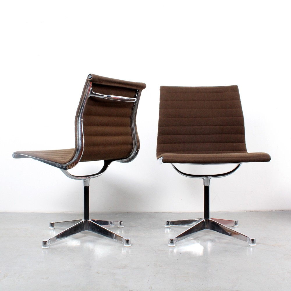 Pair of EA106 dining chairs by Charles & Ray Eames for Herman Miller, 1960s