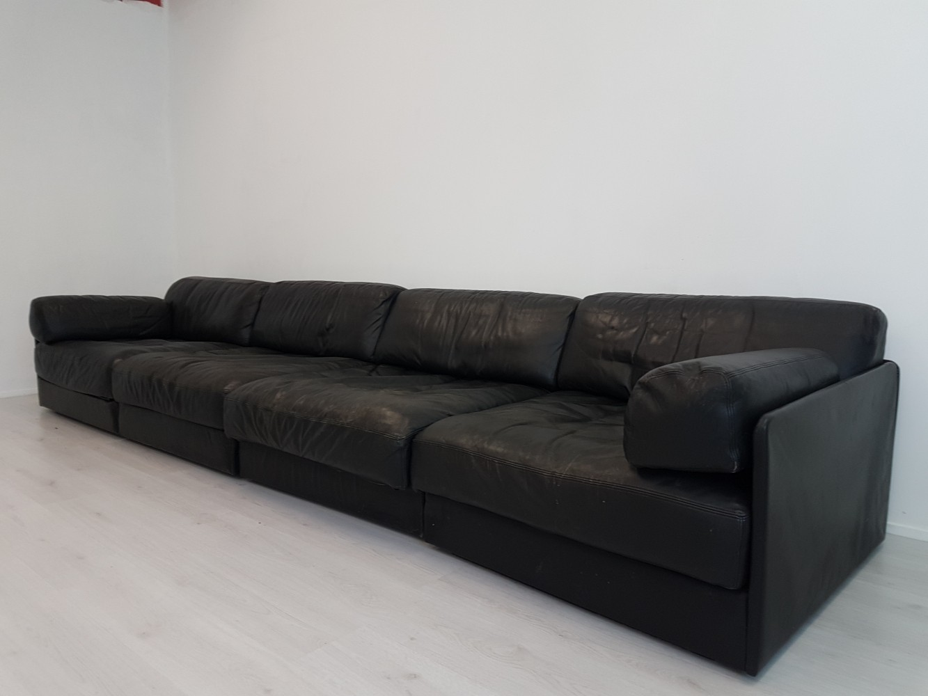 Modular De Sede DS-76 black leather sofa