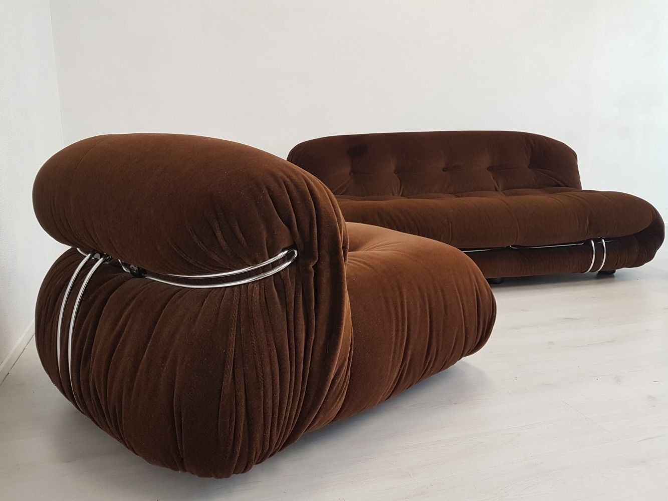 Cassina Soriana twoseater & loungechair by Tobia Scarpa