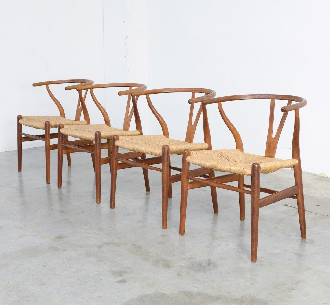 set of 4 wishbone chairs by hans j wegner for carl hansen 78831