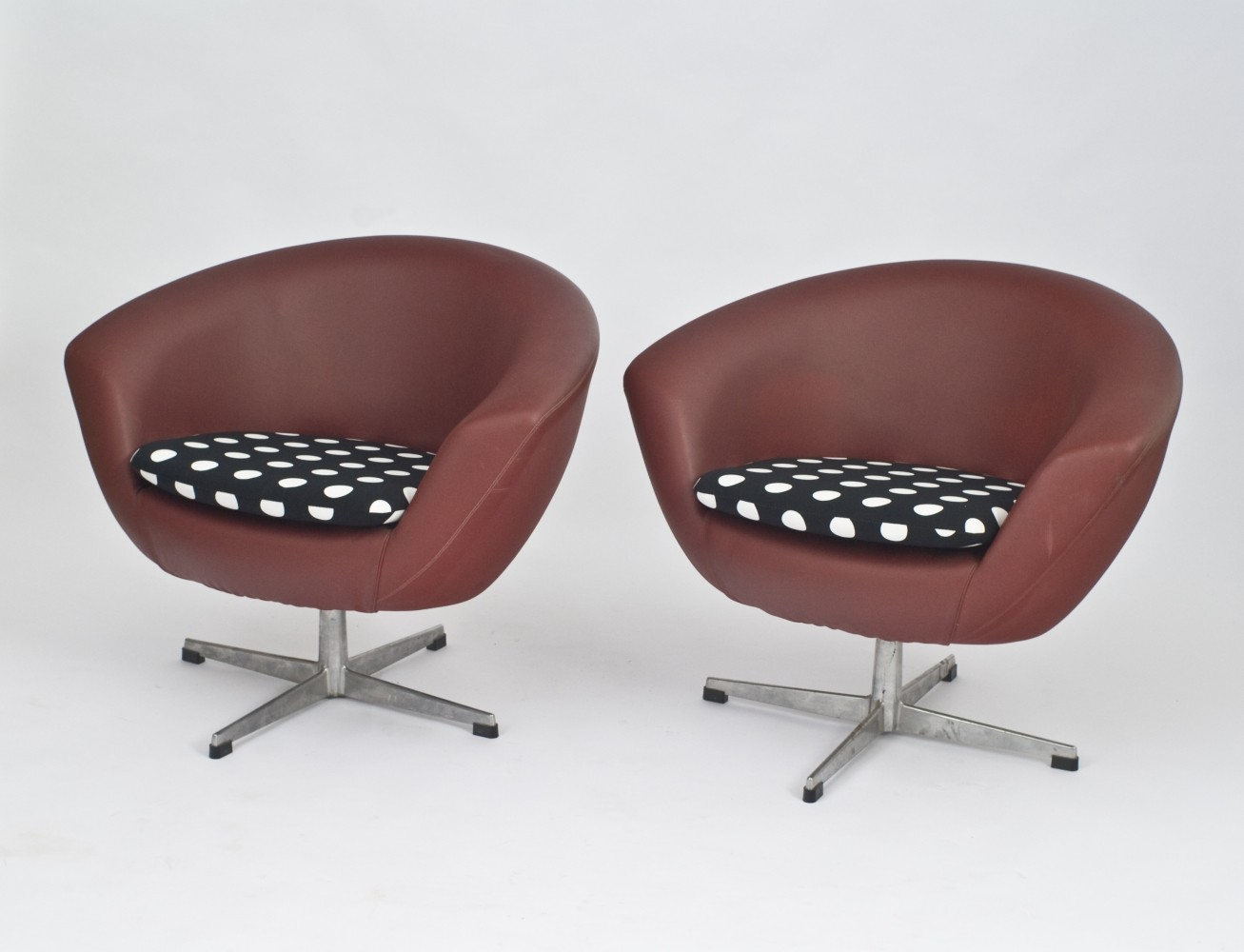 Pair of UP Závody lounge chairs, 1960s