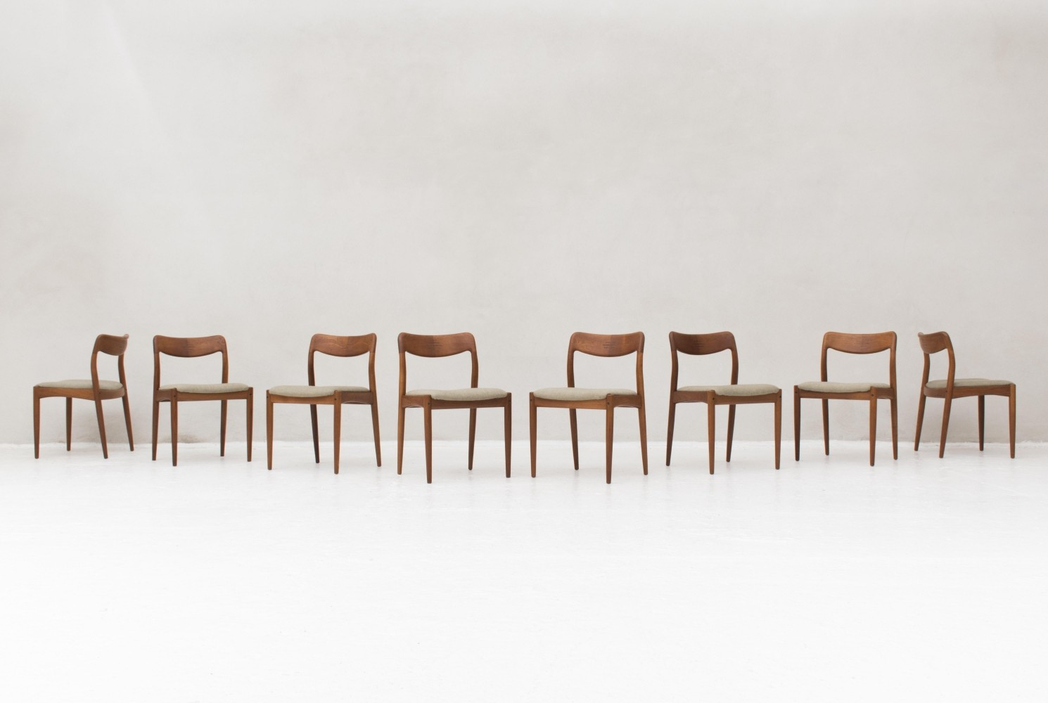 Set of 8 dinner chairs by Johannes Andersen for Uldum Møbelfabrik, 1950s