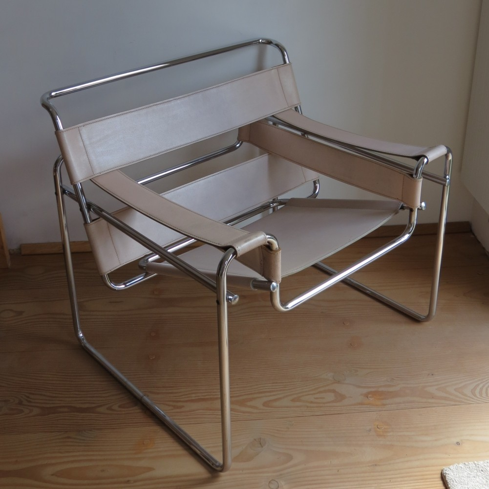 Wassily B3 chair produced by Gavina Italy
