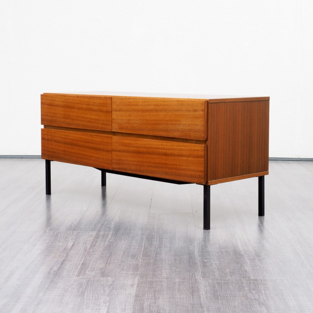 1960s chest of drawers in walnut