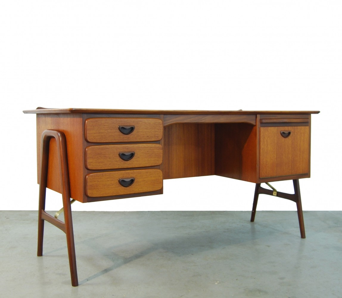 Teak XL boomerang desk by Louis van Teeffelen for Webe, 1950s