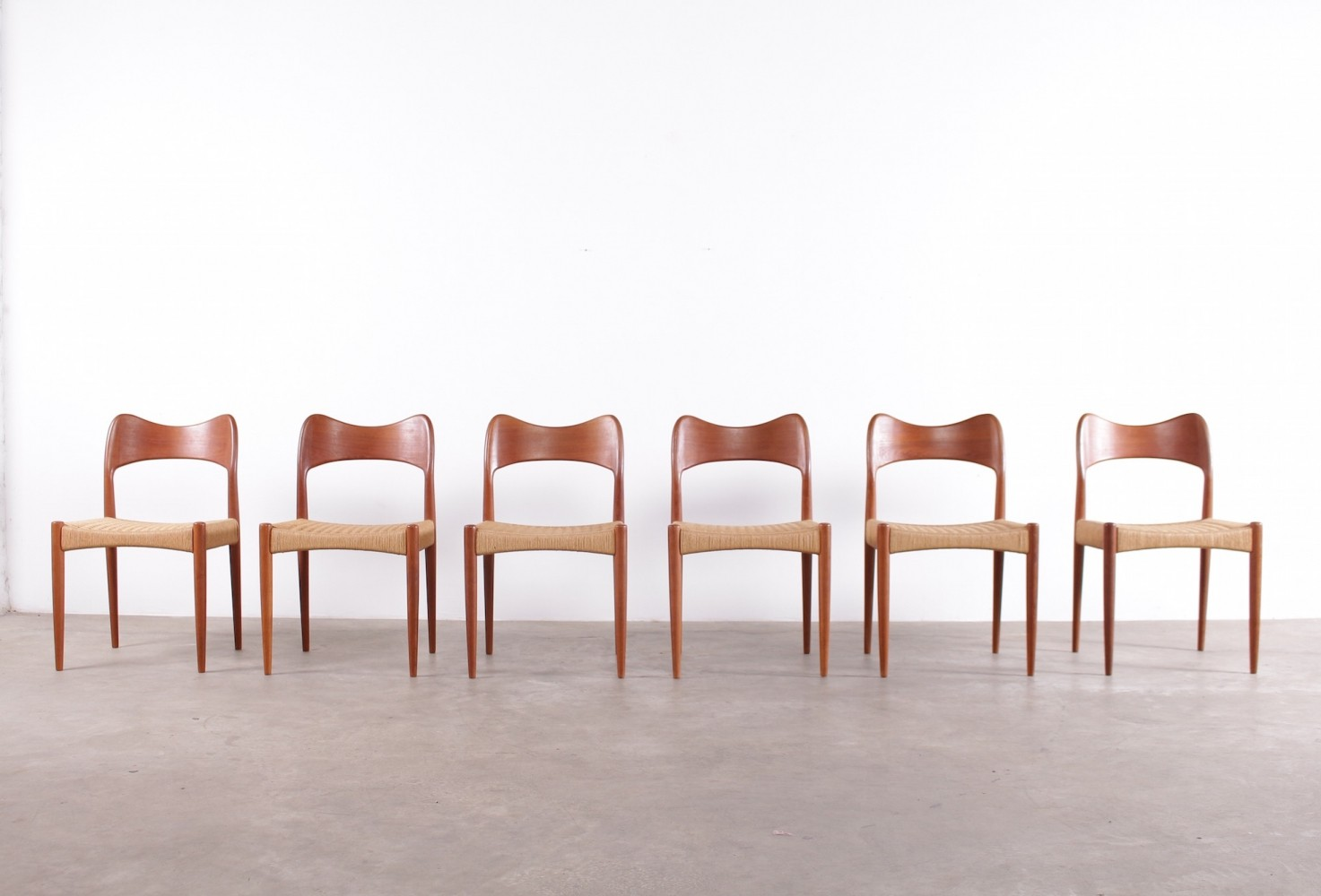 6 scandinavian papercord chairs