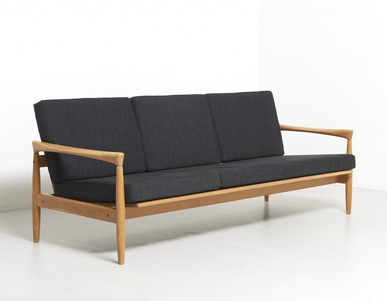 Vintage Three-Seater Sofa in Oak with Black Cushions