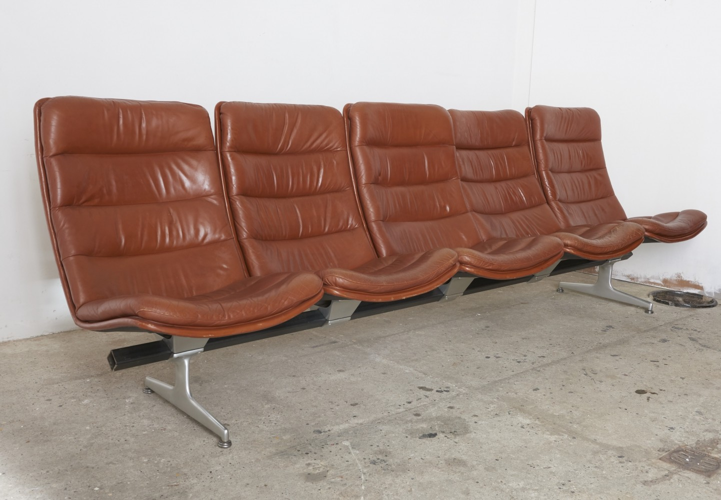 Timeless office or waiting area seating by Geoffrey D. Harcourt, 1968