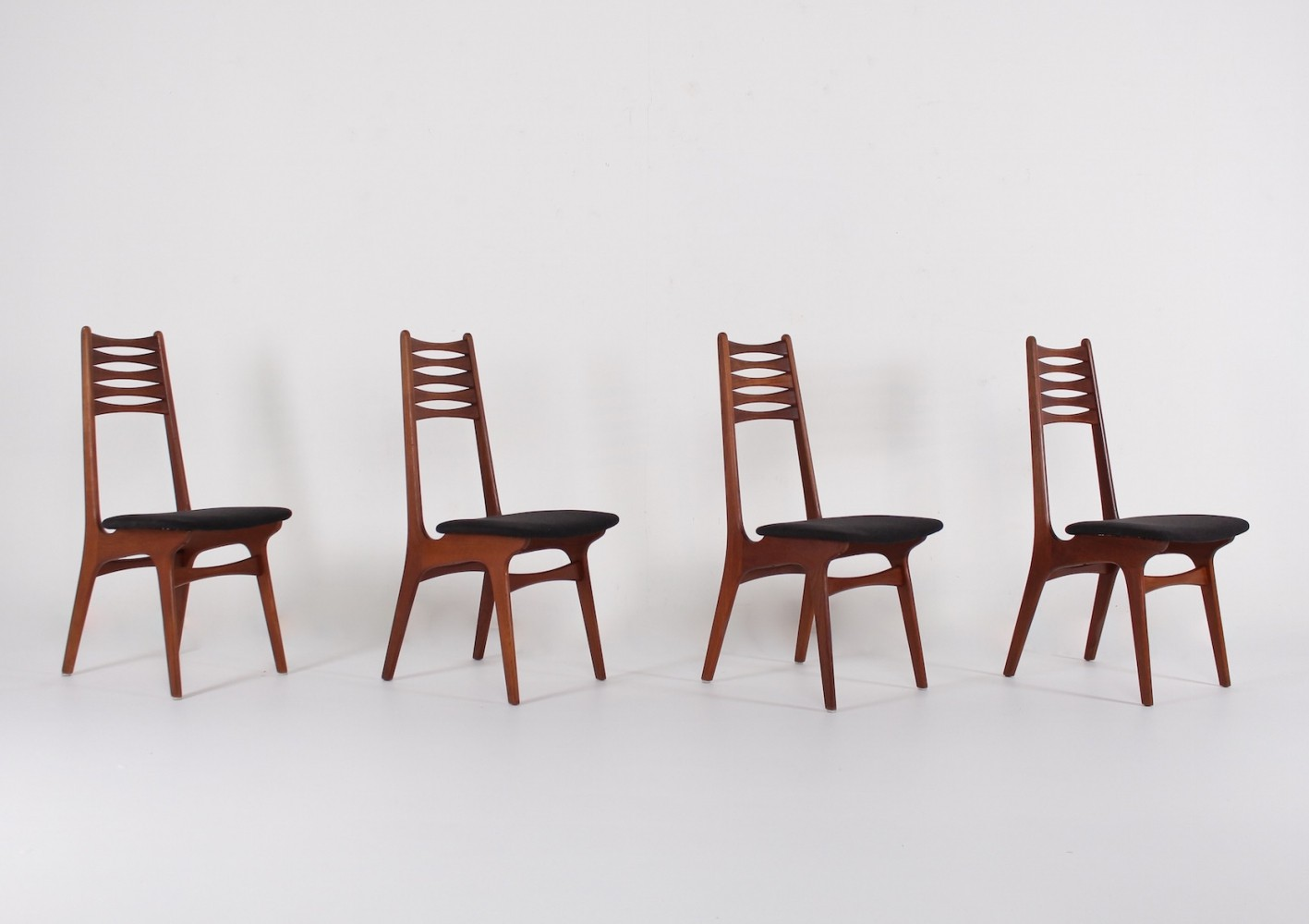 Set of 4 Model 83 dining chairs by Niels O. Møller for Boltings Stolefabrik, 1960s