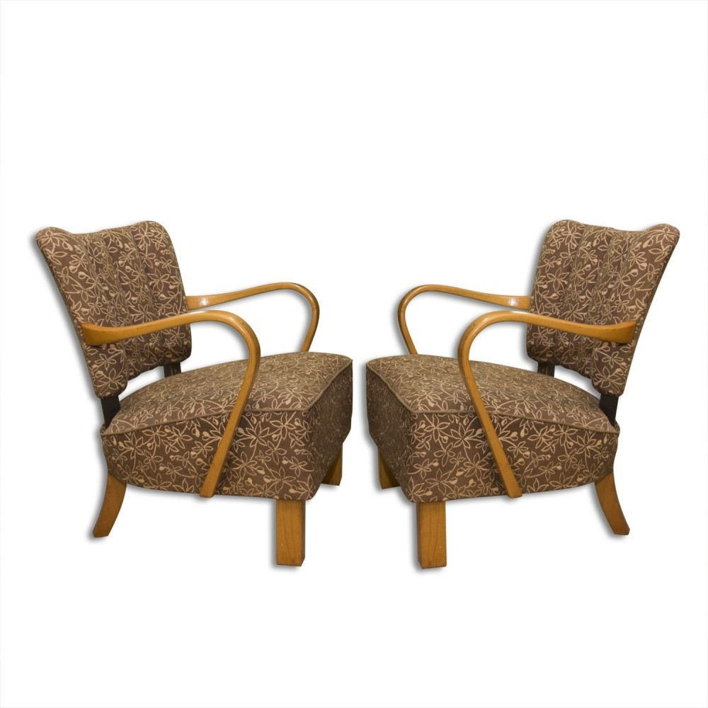 Pair of H-237 arm chairs by Jindřich Halabala, 1950s