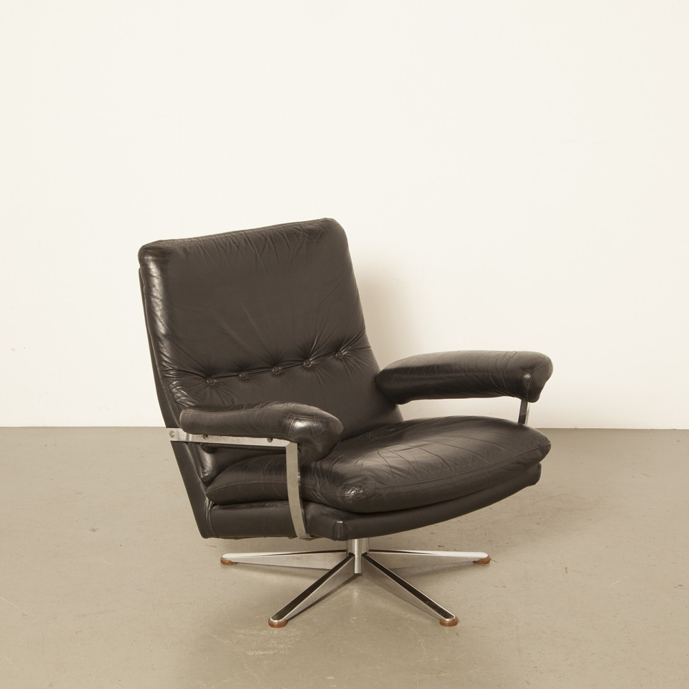 Leather And Chrome Armchair Tyres2c