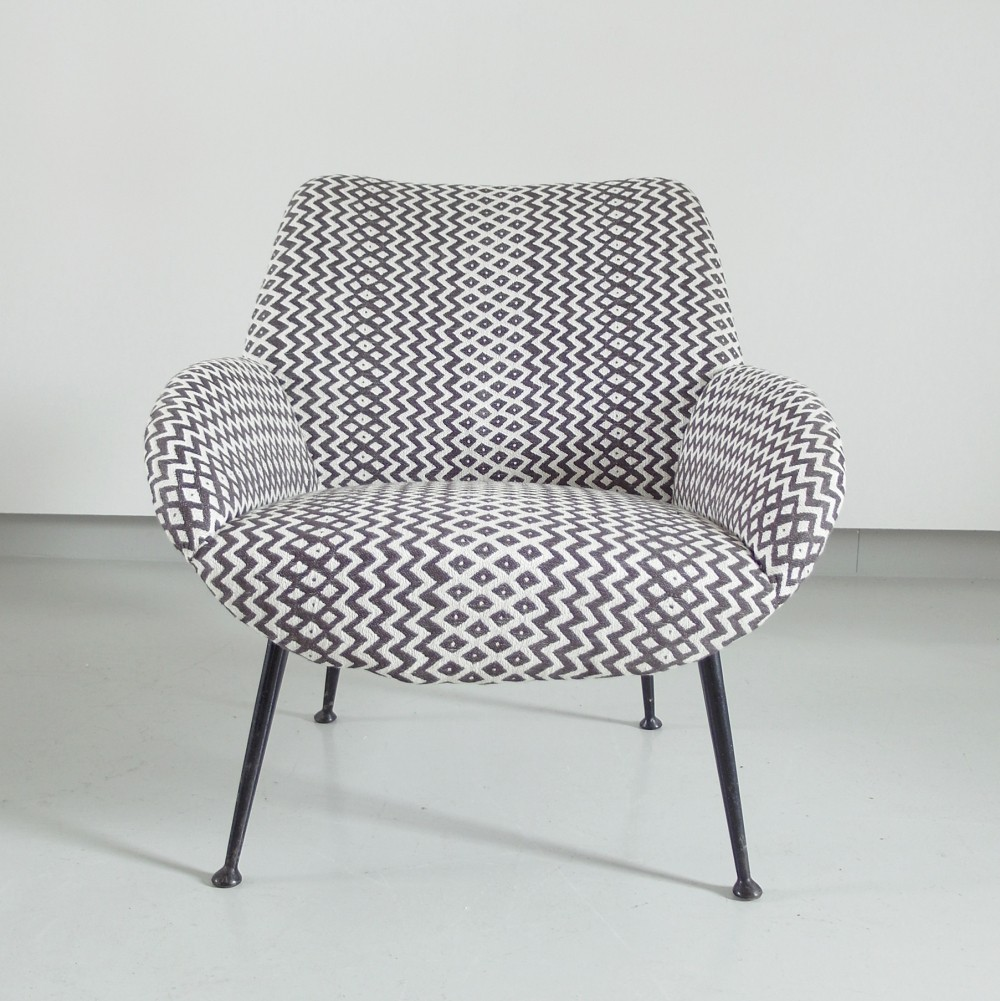 Lounge Chair Model 121 in black/white by Theo Ruth for Artifort, The Netherlands 1956