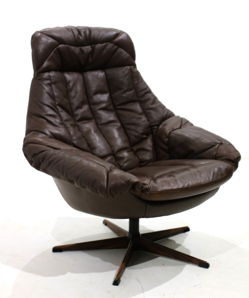 H.W. Klein Lounge chair model Silhouette