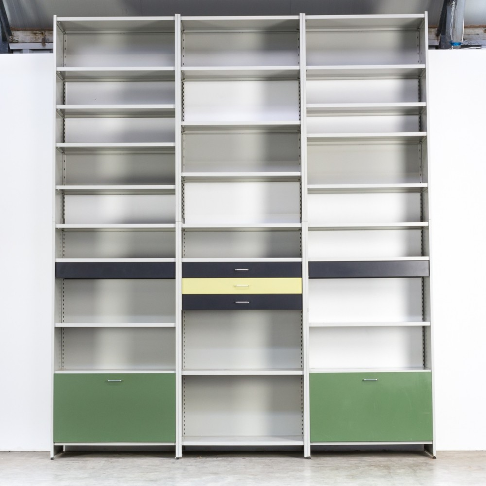 Giant model 5600 metal wall unit by André Cordemeyer for Gispen