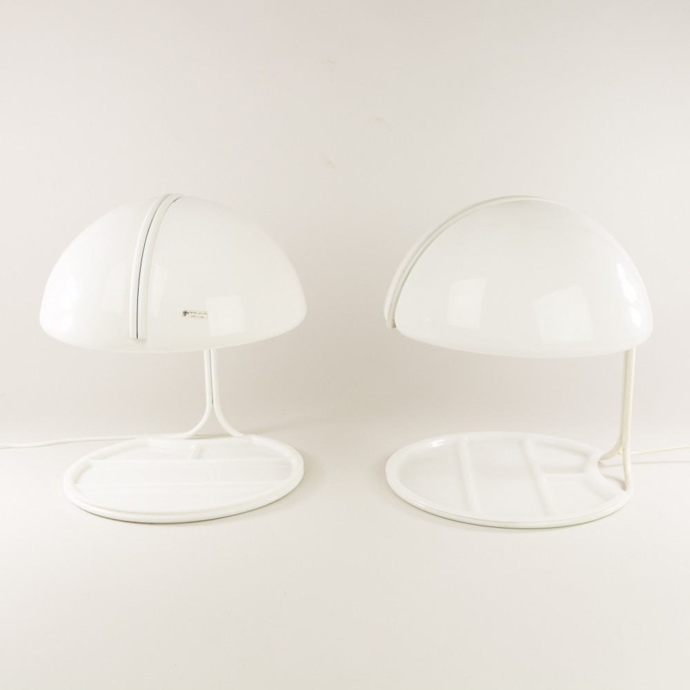 Pair of Conchiglia desk lamps by Massoni & Buttura for Harvey Guzzini, 1960s