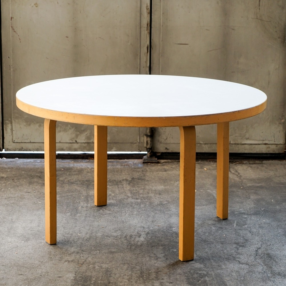 Round Model 91 table by Alvar Aalto for Artek, Finland