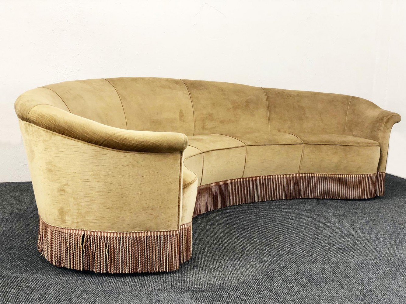 Ocher-colored velvet Sofa by Federico Munari, 1940s
