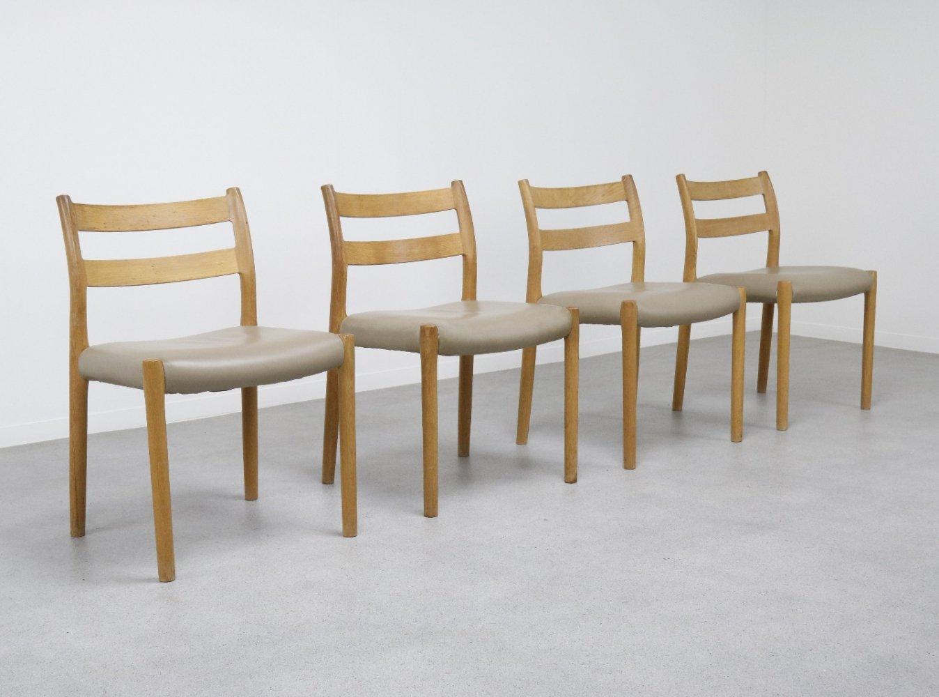Set of 4 Model 84 dining chairs by Niels O. Møller in leather & oak, 1960s