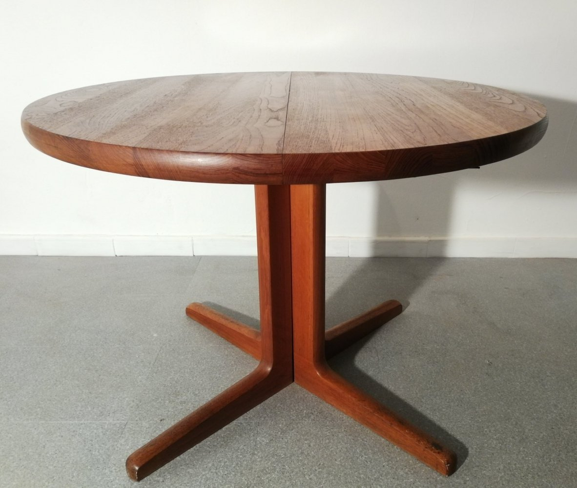 Extending table by John Mortensen for Cj Rosengaarden