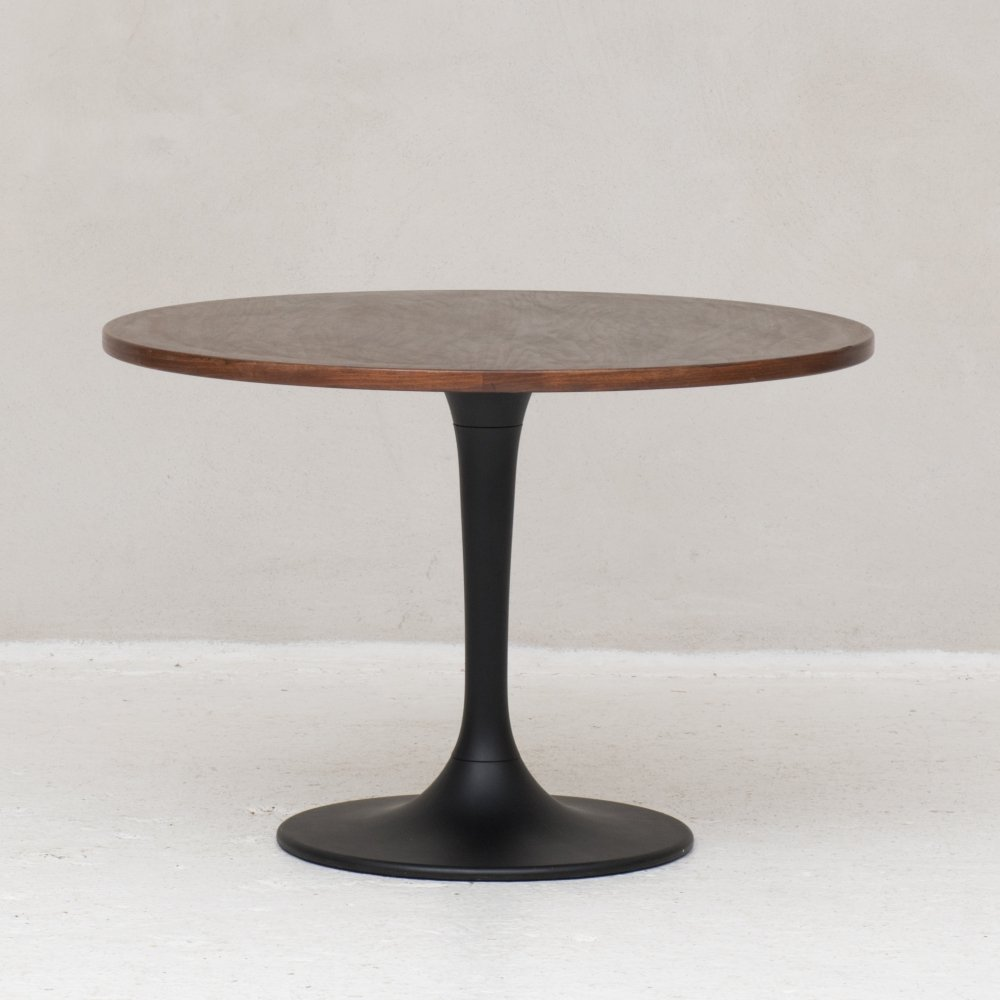 Round dining table, Netherlands 1970s