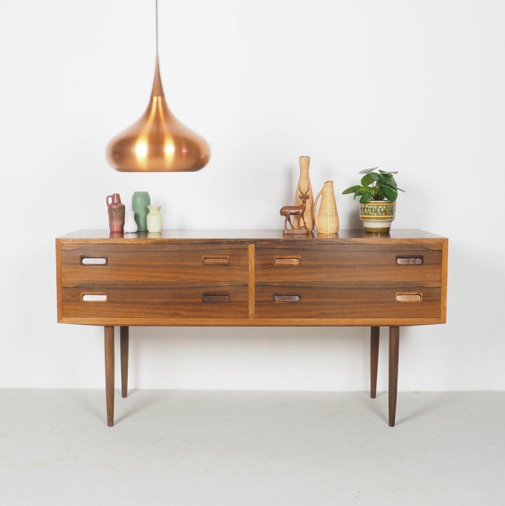 Vintage Rosewood chest of drawers on high legs by Hundevad, 1960