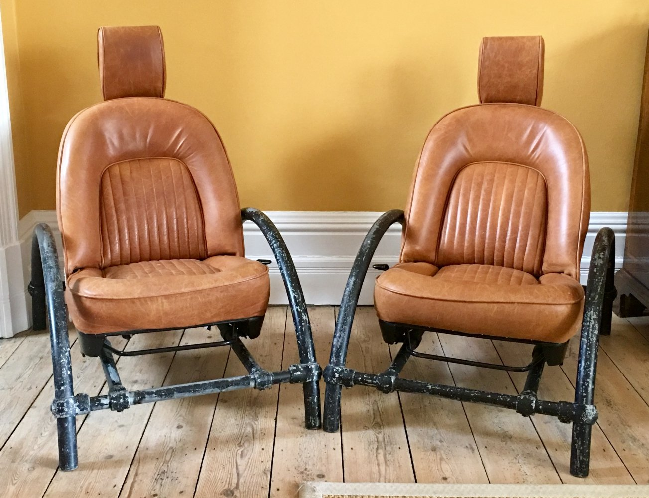 Pair of Ron Arad Rover chairs in tan leather & Kee Klamp frame