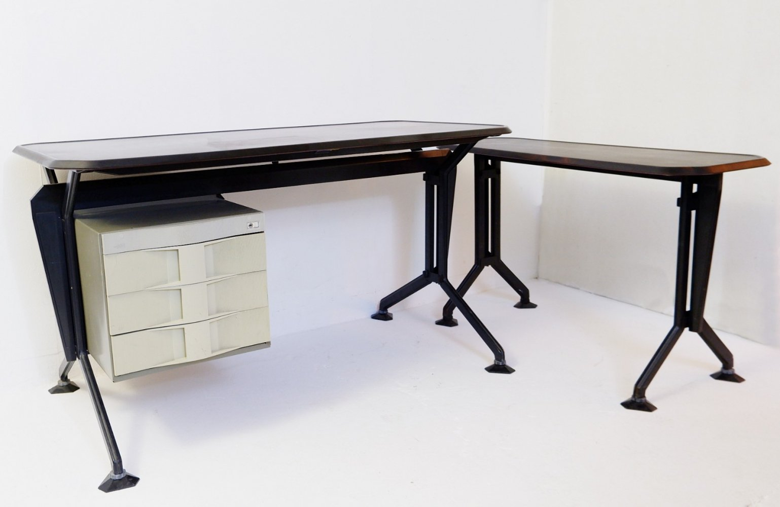 Arco Office Desk Set By Studio BBPR For Olivetti, 1963