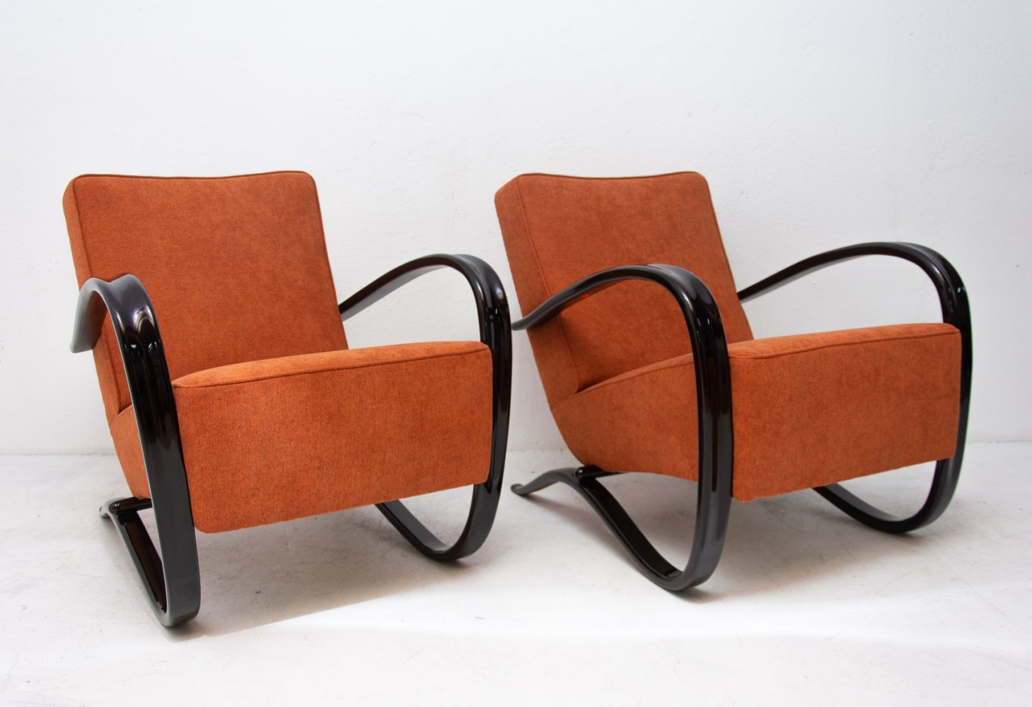 Pair of H-269 arm chairs by Jindřich Halabala for UP Závody, 1930s